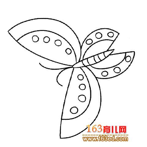 漂亮的蝴蝶2 简笔画