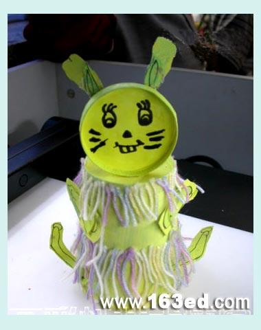幼儿纸杯手工制作:纸杯兔子2
