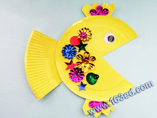 幼儿纸盘手工制作:小金鱼—儿童手工制作网