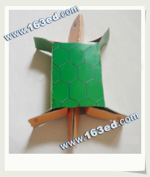 幼儿手工制作的纸盒乌龟