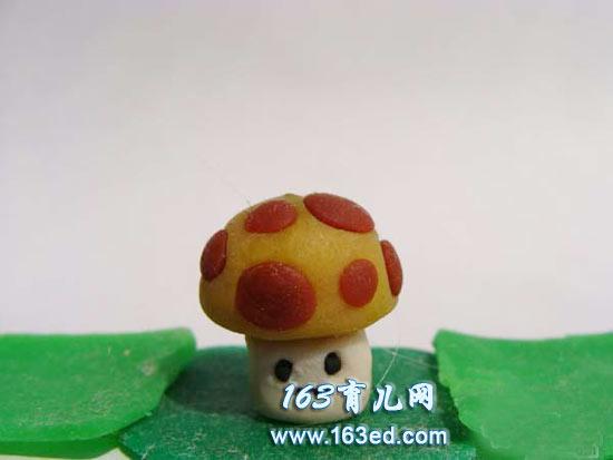 阳光蘑菇(植物大战僵尸橡皮泥手工)