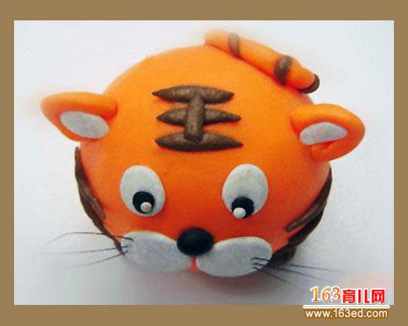 幼儿小手工:橡皮泥老虎的制作
