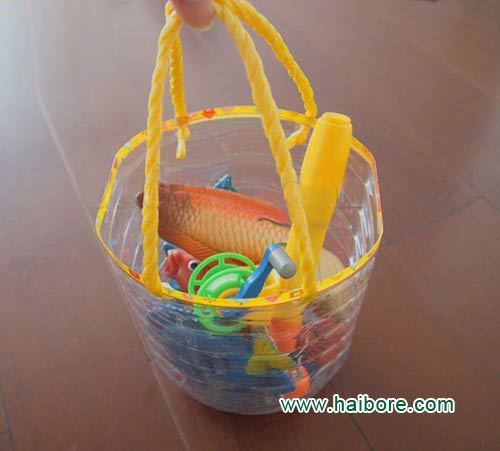 幼儿小手工:废弃油桶制作的玩具桶