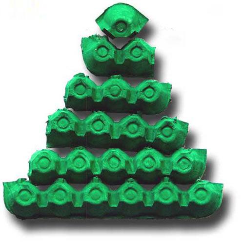 幼儿手工:如何用废弃鸡蛋盒制作一棵圣诞树图解教程