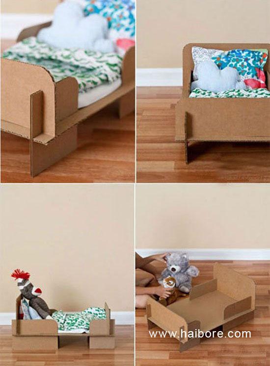 幼儿废旧利用手工:纸箱制作可拼插玩具床