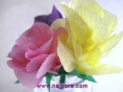 用皱纹纸制作漂亮的小花