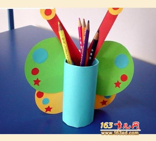 纸筒做的蝴蝶笔筒_儿童变废为宝小手工