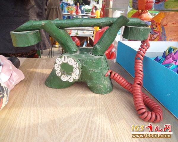幼儿手工制作:树杈电话机