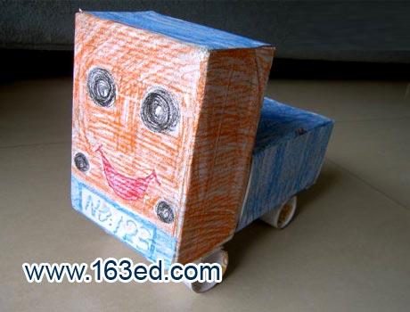 废纸盒制作手工房子图片下载