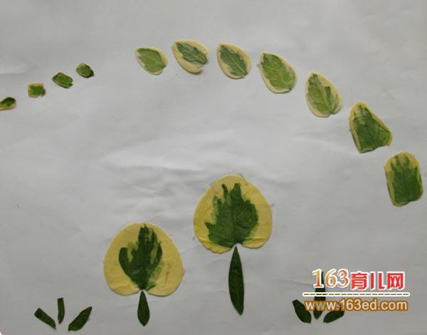 幼儿树叶粘贴画作品:空中的大雁